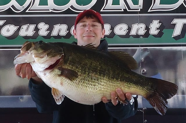 Angler wins tourney boats a sharelunker texas hunting for Toledo bend fishing
