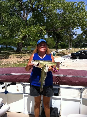 Hero of the day sept 20 2012 texas hunting fishing for Walmart with live fish near me